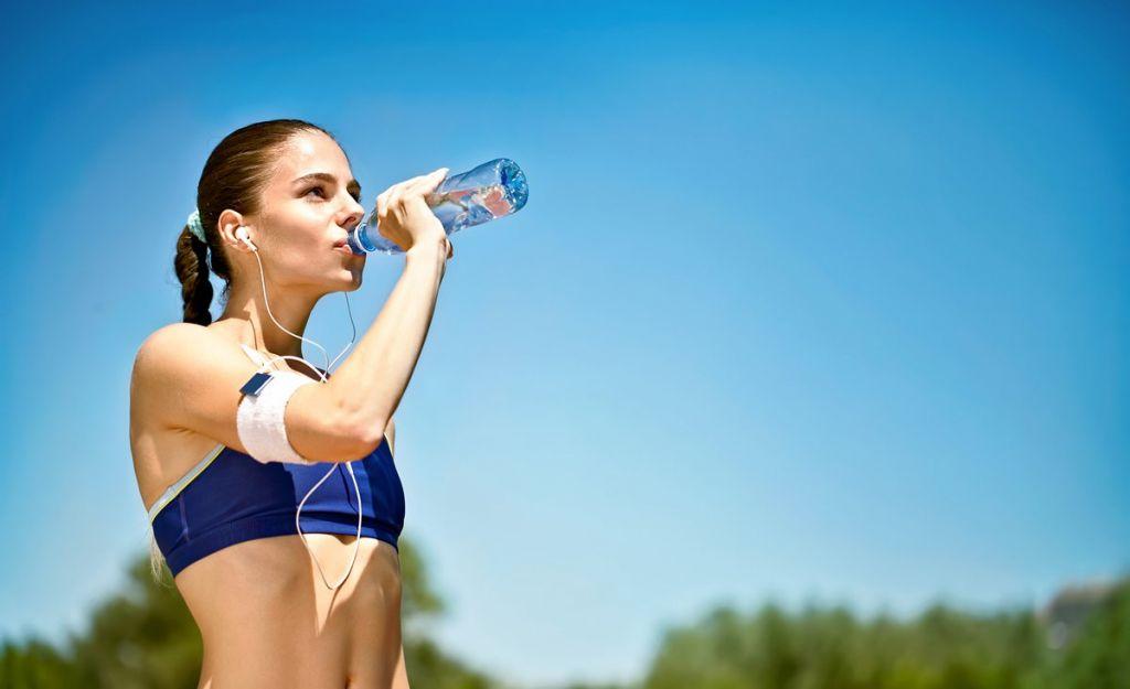 Κύρια φωτογραφία για το άρθρο: Άσκηση σε υψηλές θερμοκρασίες! 5 Βασικοί τρόποι να προστατευτείτε!