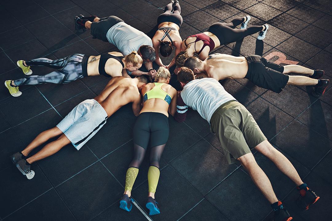 Κύρια φωτογραφία για το άρθρο: 5 Tips για ομαδικά προγράμματα άσκησης. Βοηθήστε τους νέους ασκούμενους να μείνουν ενεργοί για πάντα!